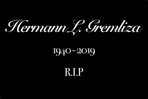 Schrift auf schwarzem Grund Hermann L. Gremliza 1940-2019 R.I.P.